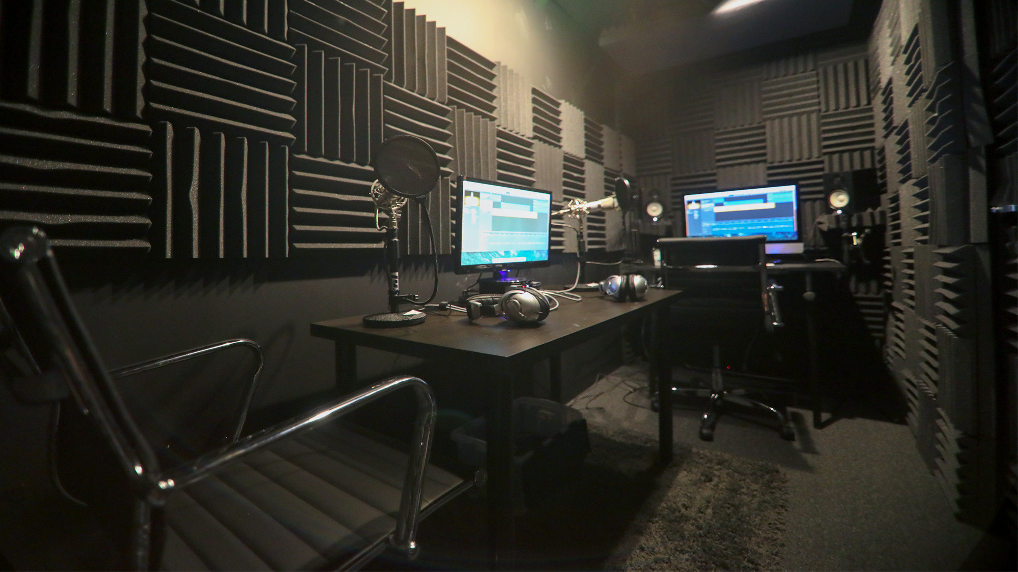 Soundproof audio studio hourly 39 studiome llc for How to soundproof my house